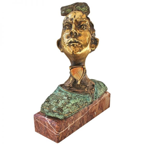 Portret cu medalion-sculptura-dorin-lupea
