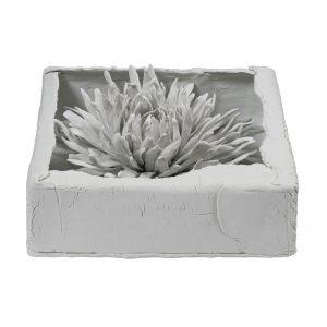 Florala ascunsa-crizantema in portelan-arta-decorativa-daniela-fainis