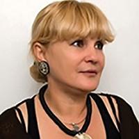 Ana Zoe Pop