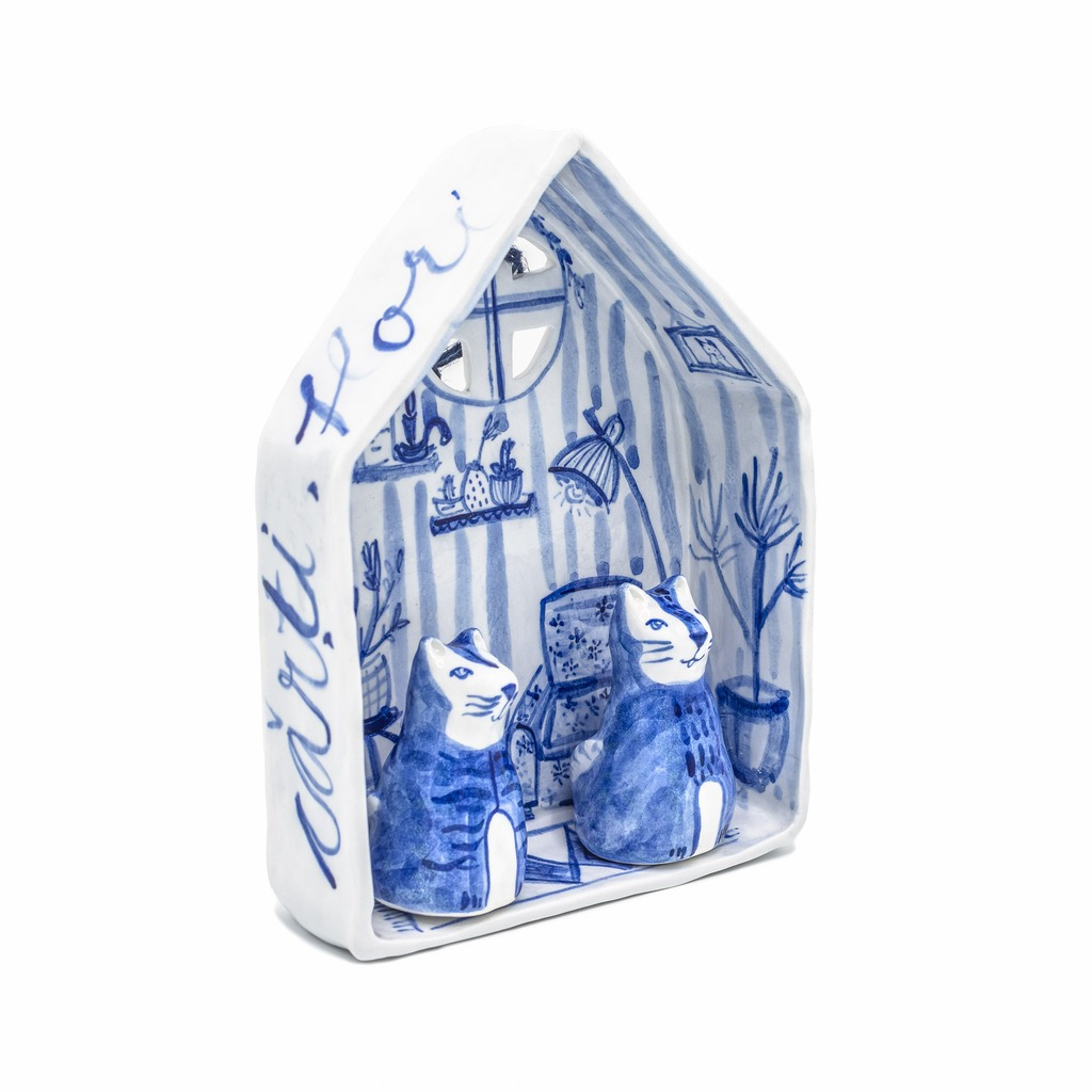 Căsuța cu pisici-arta-decorativa-raluca-tinca